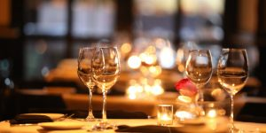 fine-dining-picture-id870485102 (1)